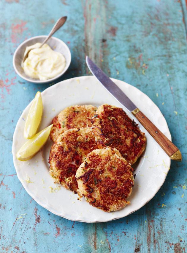 Crab cakes - www.fish-tales.com